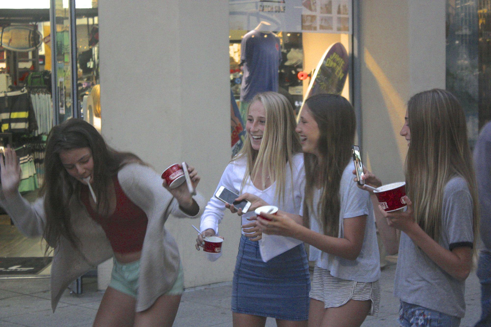 Teeny Beach Girls Try It On